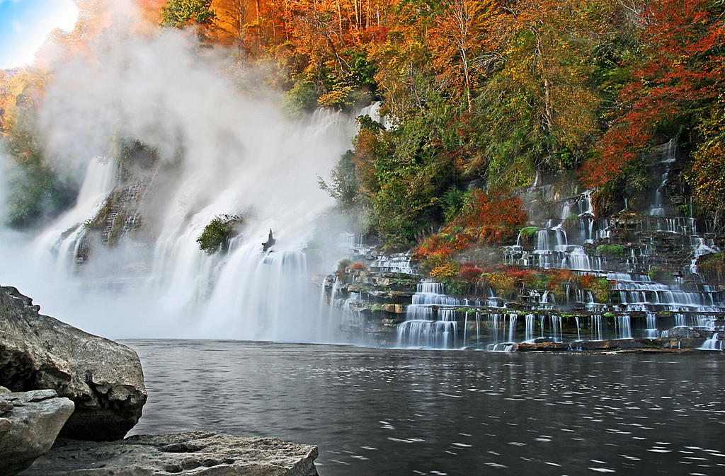 IMAGE: http://imagemogul.smugmug.com/Nature/Landscape-and-Nature/Twin-Falls-in-the-Fall-Rock/811262191_CdRpU-XL.jpg